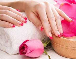 Неотразимые ноготки! Скидка до 70% на маникюр, педикюр, а также акриловое наращивание ногтей от салона красоты Артемида!