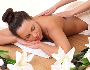Классический, антицеллюлитный, расслабляющий и стоун-массаж от профессионального массажиста Молдабековой Куралай со скидкой до 83%!