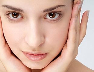 Сияющая чистая кожа! Ультразвуковая чистка, предпилинговые подготовки и пилинги, маски и массажи в салоне красоты LLB со скидкой до 60%!