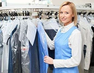 Ни пятнышка! Эффективная чистка плащей, пальто, курток и других изделий со скидкой до 60% от химчистки Milan!