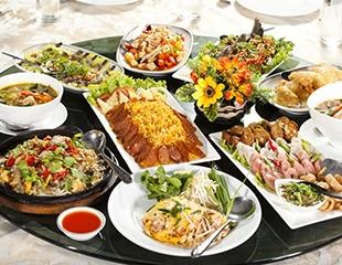 Проведение банкетов в ресторанеMajestic комплекса Baganashil: пышная свадьба, корпоративная вечеринка, грандиозный юбилей или незабываемый день рождения! Скидка50%
