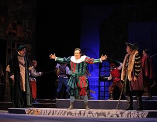 Спектакли в период с 5 по 29 апреля в Казахском государственном академическом театре драмы имени Ауэзова со скидкой 40%!