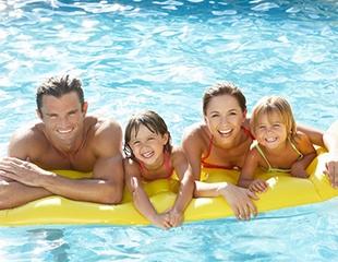 Отдохните всей семьей! Скидка до 52% на посещение летнего бассейна Изумруд!