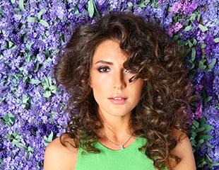 Стрижки, окрашивание волос, омбре, балаяж и многое другое со скидкой до 82% в салоне красоты Жизель!