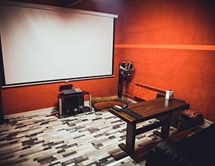 Отдыхай по полной программе! Скидка до 77% на аренду кабинок кинозала в Grand love cinema!