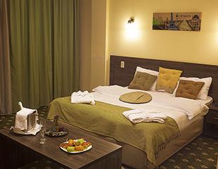 Проживание в уютных номерах с завтраком в виде шведского стола на одного или двоих в гостинице Golden Palace со скидкой до 56%!