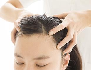 Роскошные волосы и нежные ручки! Плазмолифтинг кожи головы и кистей рук, а также мезотерапия кожи головы в центре косметологии SamalBeauty со скидкой до 68%!