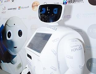 Устройте технологичный праздник! Аренда настоящего робота Арнольда, а также голографического 3D-проектора со скидкой 50%!