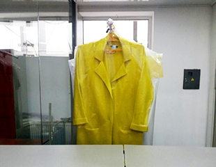 Непревзойденная чистота! Химчистка предметов одежды и интерьера со скидкой 50% от компании Cinderella!