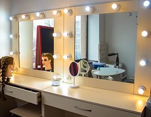 Создание образа, макияж, укладки, а также курсы «Сам себе визажист» от стилиста-визажиста Алии со скидкой до 57% в студии красоты Purpure Beautyroom!