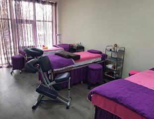 Общий, антицеллюлитный, массаж спины, головы, шейно-воротниковой зоны, а также детский массаж в салоне Time of Beauty! Скидка до 83%