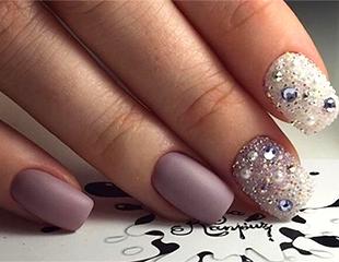 Стильный маникюр и педикюр для ваших пальчиков! Скидка до 73% на услуги nail-стилиста в Beauty Room Omabelle!