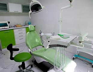 Лечение кариеса любой сложности и ультразвуковая чистка зубов в DAR Clinic. Скидка до 76%!