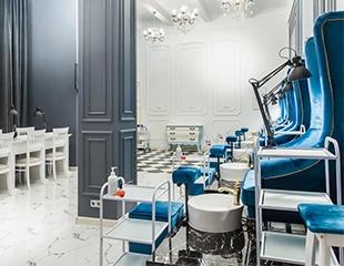 От создателей 7th Avenue и студии Lakshmi! Маникюр, педикюр и SPA-процедуры для рук и ног со скидкой до 50% в салоне красоты Мадам де Виль!