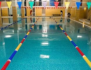 Проживание в комфортабельных номерах «Люкс» и «Стандарт», а также посещение теплого крытого бассейна, хамама и русской парильни в комплексе Береке со скидкой 50%!