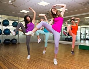 Занятия Zumba Fitness со скидкой до 72%! Абонементы на 1,2 или 3 месяца от фитнес-клуба Elbarco!