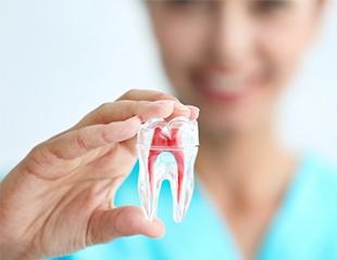 Лечение среднего и глубокого кариеса, удаление, а также чистка и полировка зубов со скидкой до 76% в стоматологической клинике Ruaz Dent!