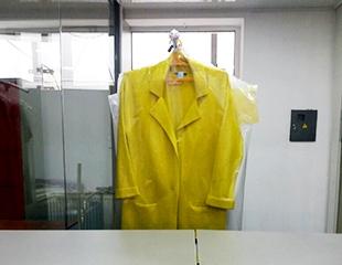 Непревзойденная чистота! Химчистка предметов одежды и интерьера от компании Cinderella со скидкой 50%!