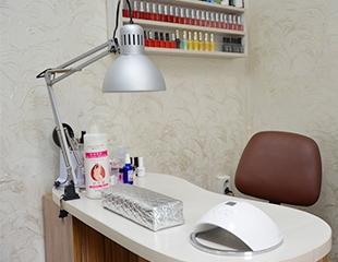 Идеальный образ до самых кончиков! Маникюр и педикюр со скидкой до 55% в студии красоты Nails Pro!