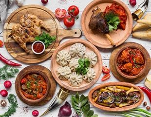 Все разнообразие грузинской кухни: чахохбили, хинкали, оджахури и многое другое со скидкой 50% на меню и бар в кафе «Мира 118»!