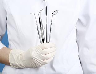 Полный спектр услуг в стоматологии «Диана»: лечение десен, реставрация, чистка, лечение и удаление зубов со скидкой до 76%!