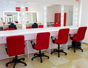 Индивидуальный курс «Сам себе визажист» от стилиста-визажиста Алии со скидкой до 50% в студии красоты Purpure Beautyroom!