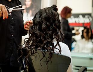 Прическа мечты! Услуги Hair-стилиста в салоне красоты DELICE со скидкой до 62%!