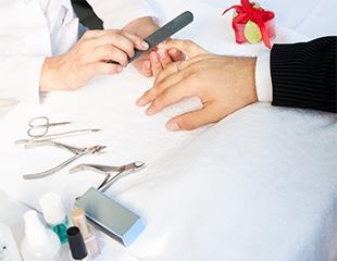 Шикарный уход для ваших ручек! Маникюр и педикюр для женщин и мужчин со скидкой до 60% в Ayumi studio!