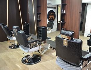 Моделирование бороды, стрижки для отца и сына, а также комплекс для жениха от барбершопа Veni Vidi Vici со скидкой до 68%