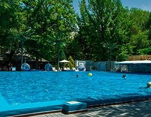 Окунитесь в ритм лета в DELIGHT POOL DAYCLUB в парке Горького в будние и выходные дни! Скидка до 40%!