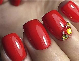 Идеальные ручки! Маникюр и наращивание ногтей со скидкой до 54% в салоне красоты Cosmolux!