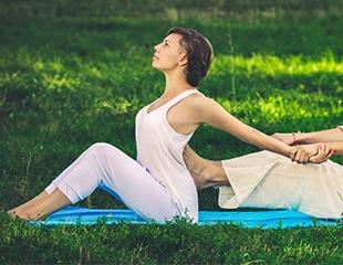 Гармония в прикосновениях! Массаж различных зон тела, а также разные техники массажа на выбор в йога-центре «ОМ» со скидкой до 76%!