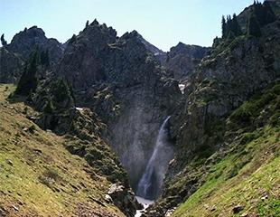Горы ждут! Тур на водопад «Черный» от I love Almaty mountains со скидкой 60%!