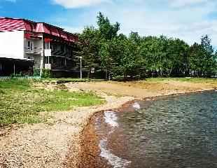 Озеро соленое с пользой для здоровья! Проживание в гостевом доме «Родник» у озера Шалкар на 1, 2 или 4 человек со скидкой 30%!
