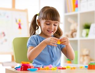 Программа предшкольной подготовки для детей от 4 до 6 лет в образовательном центре «Отличники»  со скидкой 52%!