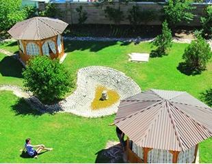Самое время отдохнуть! Проживание в двух- и трехместных номерах в гостевом доме «Тумар» на Иссык-Куле со скидкой 25%!
