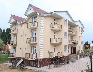Отпуск под солнцем Иссык-Куля! Проживание в номерах «Полулюкс» в гостевом доме «Бренд Хауз» от туроператора «Raduga Travel»!