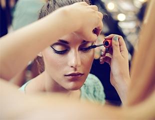Время восхищать! Вечерний, свадебный, luxury макияж со скидкой до 57% в салоне красоты «Love»!
