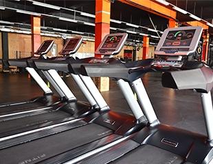 Сила, воля и упорство! Безлимитные абонементы на 1, 3 или 6 месяцев посещений тренажерного зала Apelsin Sport Club со скидкой 50%!