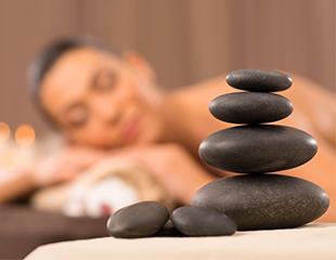 Отдых для души и тела! Массаж горячими камнями, аромамассаж, общий классический массаж в салоне Selfie Love со скидкой до 75%