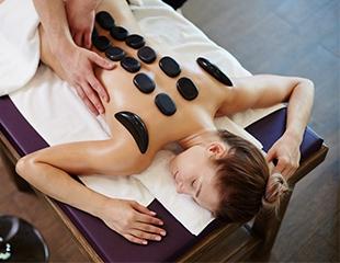 Общий классический массаж, стоун-массаж горячими камнями, массаж шейно-воротниковой зоны и другие виды массажа со скидкой до 87% в Jasmine SPA!