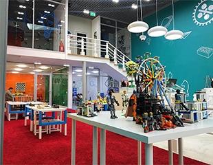 Настоящему фанату Lego! Игровая Фан-зона Lego® для детей от 3-х до 14 лет со скидкой 50%