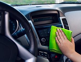 Чистка до блеска! Мойка легковых авто, джипов и минивэнов со скидкой до 58% в автомойке King!