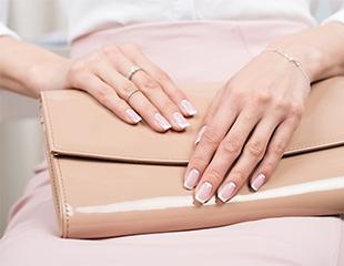 120 оттенков для Ваших ногтей! Маникюр и педикюр с гелевым покрытием в студии красоты Орхидея со скидкой до 50%!