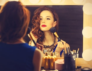 Красота без усилий! Дневной, вечерний и свадебный макияж в салоне красоты Eiva со скидкой до 67%!