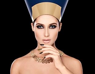 Почувствуй себя богиней! Маникюр и педикюр с лаковым или гелевым покрытием от мастера Жулдыз в салоне красоты Lya со скидкой до 52%!