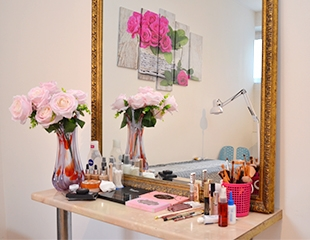 Дневной, вечерний макияж, укладки и ламинирование ресниц в салоне красоты Deja Vu со скидкой до 74%!