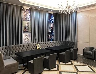 Песни, танцы, веселье! Аренда VIP-кабинок до 30 человек в караоке Salieri со скидкой до 88%!