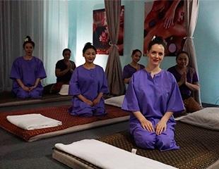 Расслабление в лучших традициях Тая! Массаж различных зон с использованием масел, а также романтические программы для двоих в Platinum Thai and Chinese Luxury SPA! Скидка до 57%!