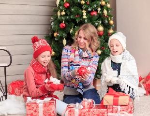 Улыбочку! Выездные новогодние фотосессии, семейные фотосессии, lovestory, съемки праздников, банкетов и корпоративов со скидкой до 63%!